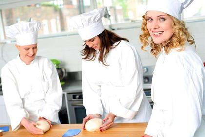 重庆短期学厨师,中西餐饮培训班