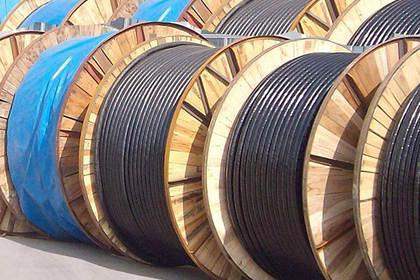 坚持服务从心开始,高价回收废旧电缆电线