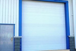 卷帘门窗近年来得到商业建筑广泛推广应用,上虞供应卷帘车库门