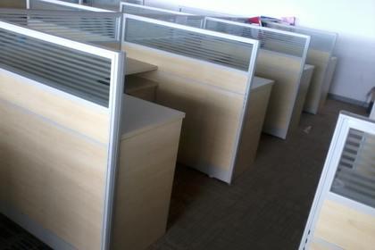 长期大量回收办公家具广州诚信第一
