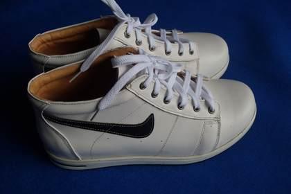 订做变形畸形特殊脚型矫正鞋 扬州市脚之家鞋业