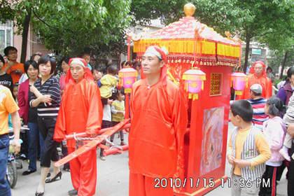 武汉婚庆大花轿制作、至诚服务,至优产品,至真责任