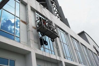 南昌玻璃幕墙安装换胶