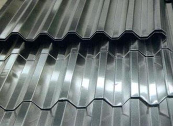 银灰彩钢板中板带处理剂的作用与特点