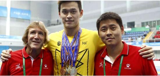 外教丹尼斯已与中国泳协终止合约 不再执教孙杨