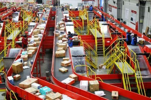 全国年快递量首超800亿 快递业迈入数字化物流时代