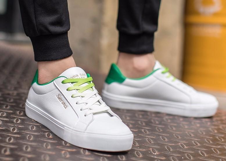 白鞋子非常容易脏,每次都水洗?教你一个小方法,便捷又干净