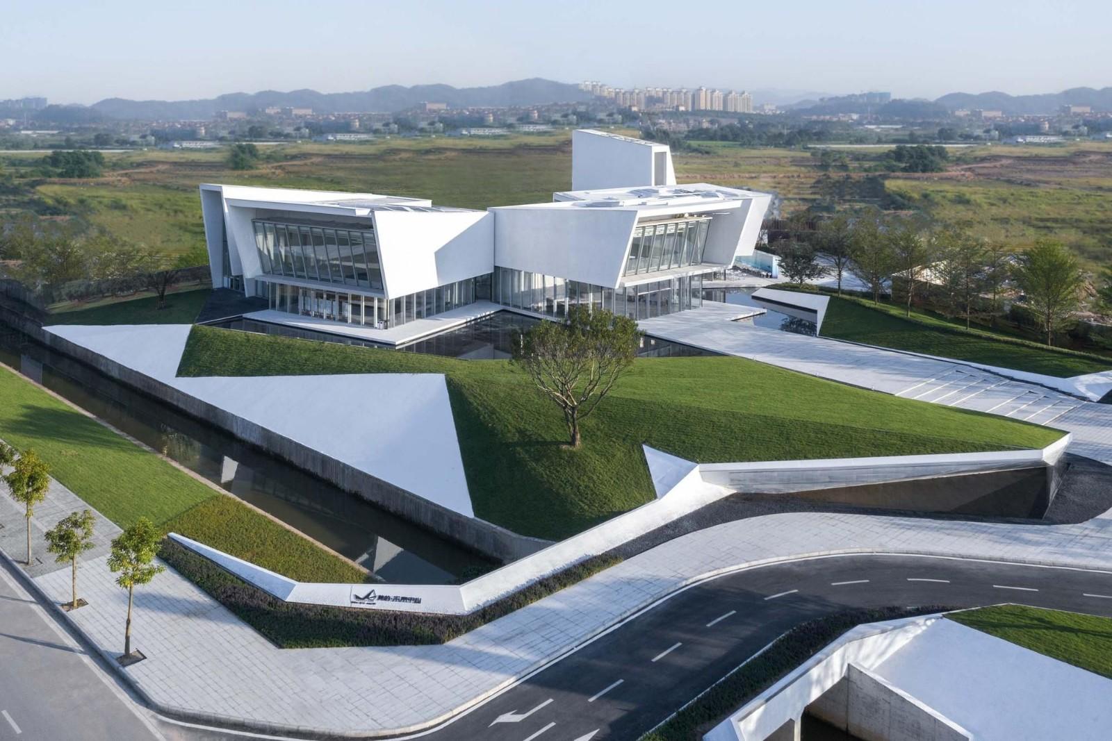 """极简现代的""""盒子""""体验中心——阳江美的未来中心"""