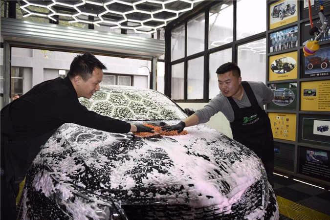 洗衣粉洗洁精可以洗车吗?