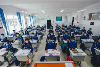 河南:近70万高三学子今日返校复学