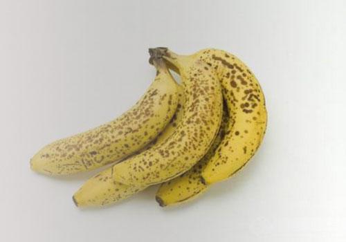 据探索杂志报道,目前,科学家最新研究表示,成熟香蕉皮上的黑斑点可