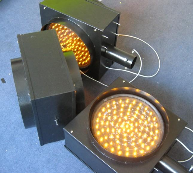 太阳能双面黄闪灯信号灯