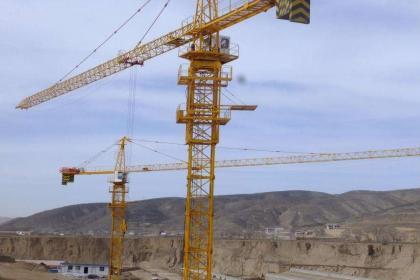 塔吊租赁设备零件的颐养办法