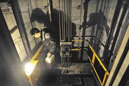 龙岗电梯修理