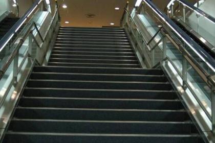 龙岗电梯保养维修