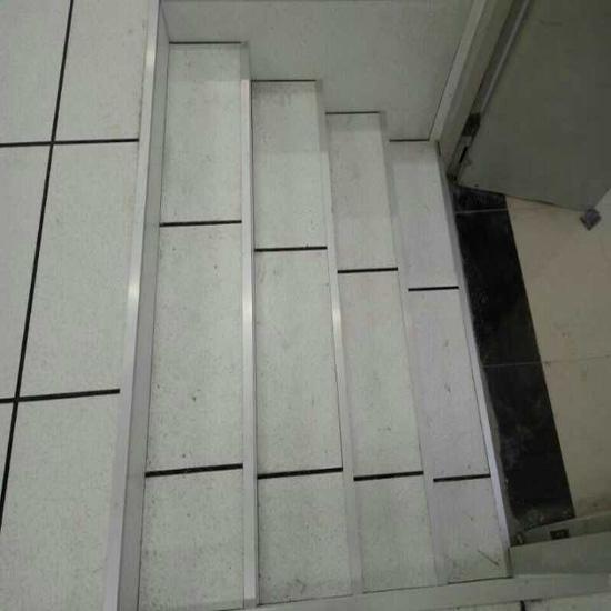 防静电地板供应
