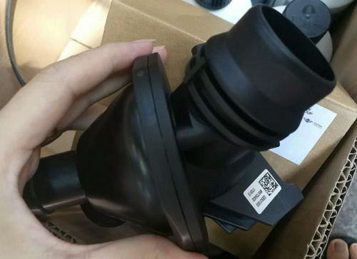 宝马3系 N20节温器 空调泵 机油泵 倒车镜 活塞 传动轴.jpg