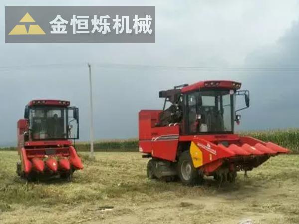 玉米收割机02 副本.png