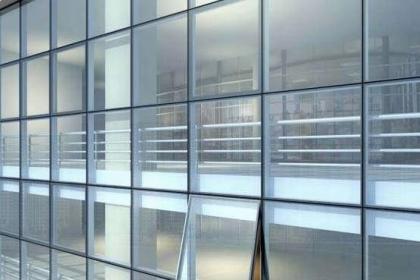 玻璃幕墙开窗改造