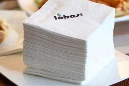 餐巾纸鉴别真假红酒的方法