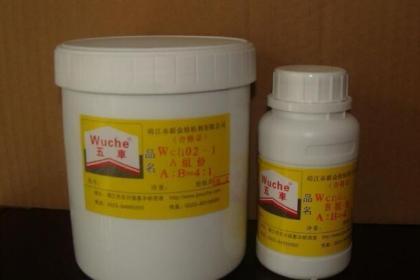 家庭装修中如何识别劣质胶粘剂