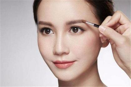 注意几个化妆的小雷区,养成良好化妆习惯,让你成为更美的女人