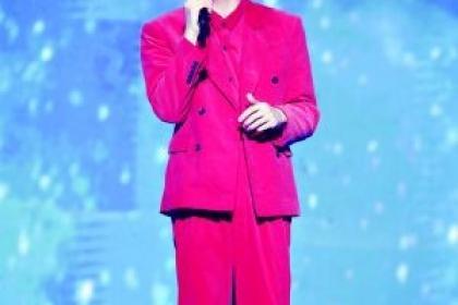 """李荣浩为佛山演唱会""""出错""""道歉 网友心疼的却不是他"""