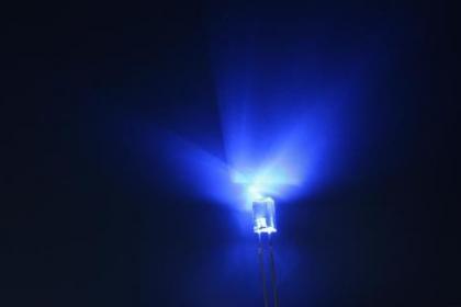 蓝光LED新应用:帮助人们减少困倦
