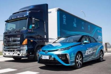 刘安琪委员建议继续推广燃料电池汽车示范项目