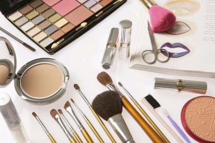 鲜言化妆品:用科研实力开启你的美丽事业