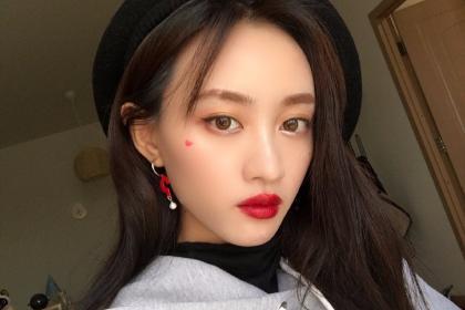 SNH48成员黄婷婷单方面宣布解约 公司回应:不知情