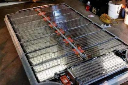 LG化学抢了松下的特斯拉电池订单
