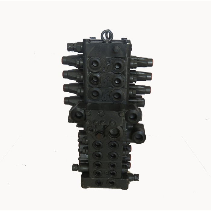 PC60-8 control valve 4.jpg