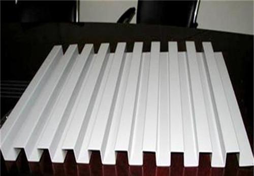 白色铝长城板 氟碳铝长城板 外墙铝长城板.jpg