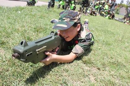 武汉暑假青少年军事夏令营